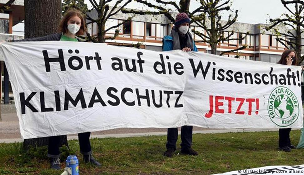 La sentenza della Corte tedesca sul clima afferma principi compatibili con la nostra Costituzione